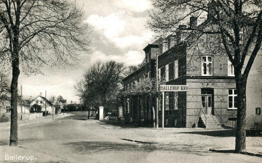 historisk billede af Ballerup Kro ca. 1940